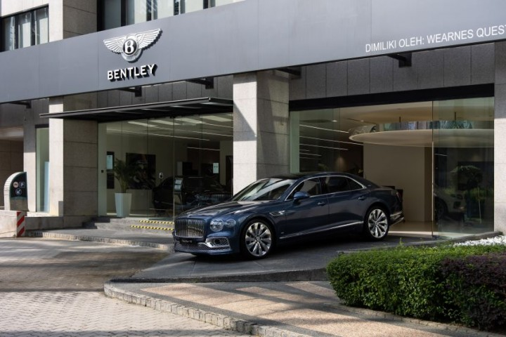 2021-Bentley-Flying-Spur-V8-in-Malaysia-23-850x567